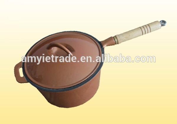 Wooden Handle Cast Iron Saucepan